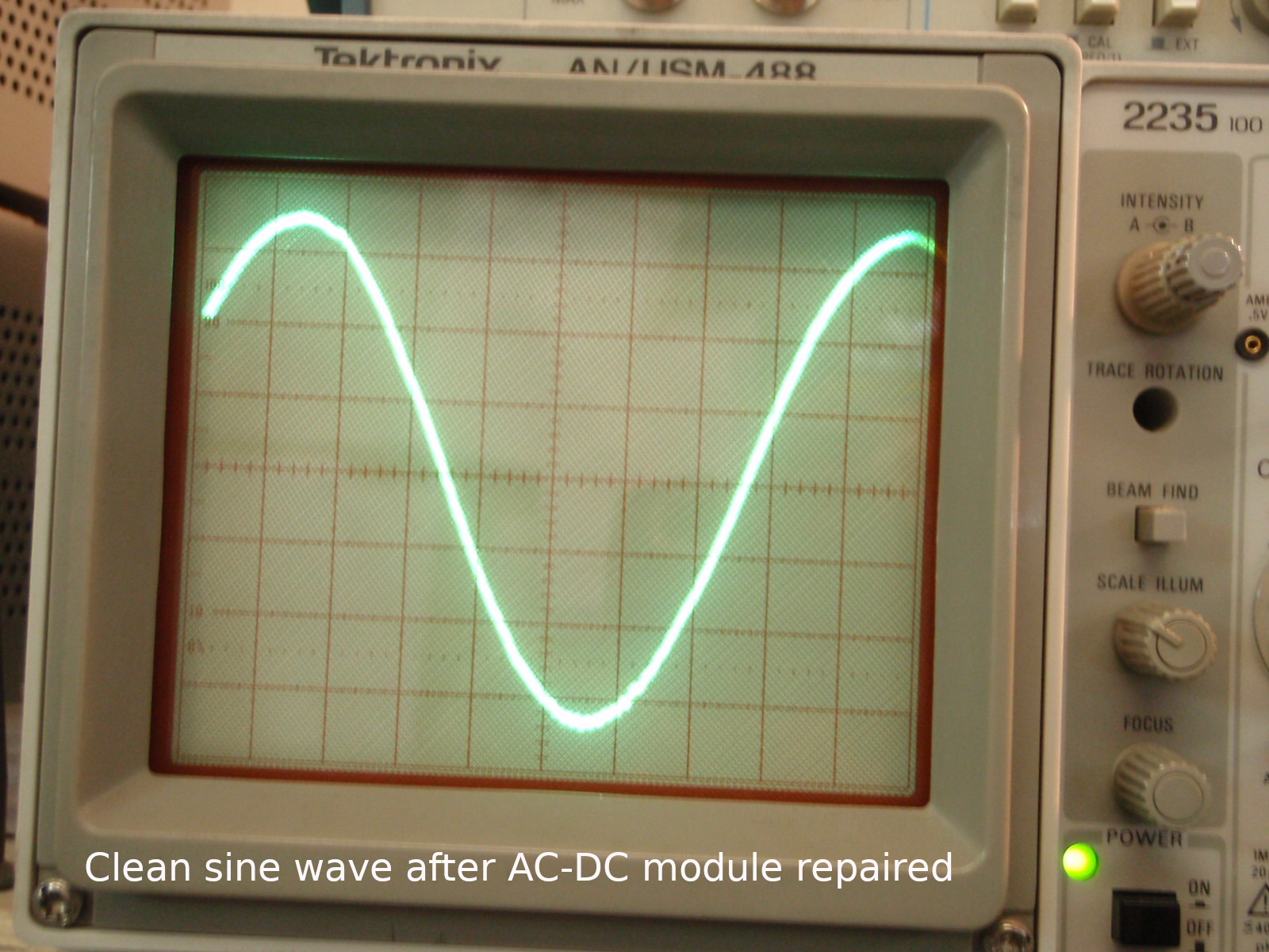 Clean sine wave after AC-DC module repaired.